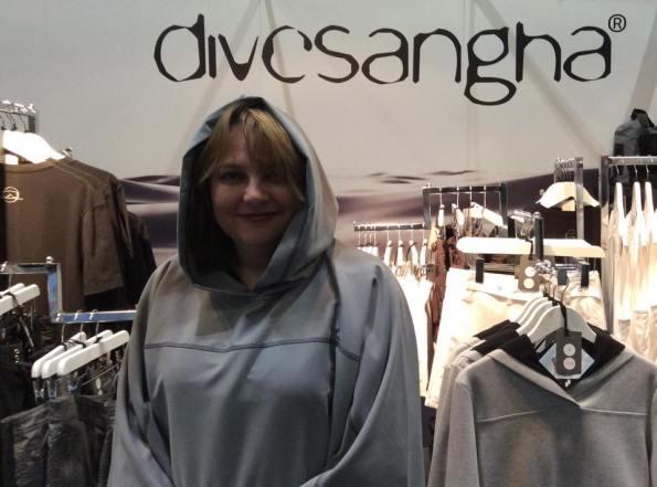 Divesangha Poncho, Star Wars, Princess Leia, scuba diving clothing, Rosemary E Lunn, Roz Lunn, The Underwater Marketing Company