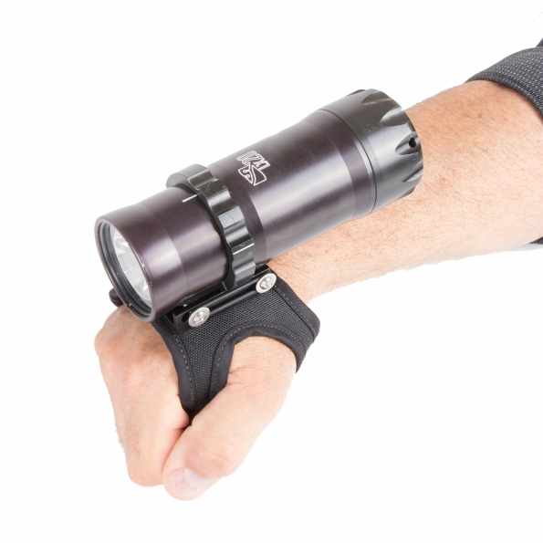 Dive Rite, LX20, scuba diving light, handheld torch, Lamar Hires, Jared Hires, Lee Ann Hires, Rosemary E Lunn, Roz Lunn, The Underwater Marketing Company, Lithium Ion rechargeable battery, LUX, QRM, quick release mount, burn time, rebreather diving,
